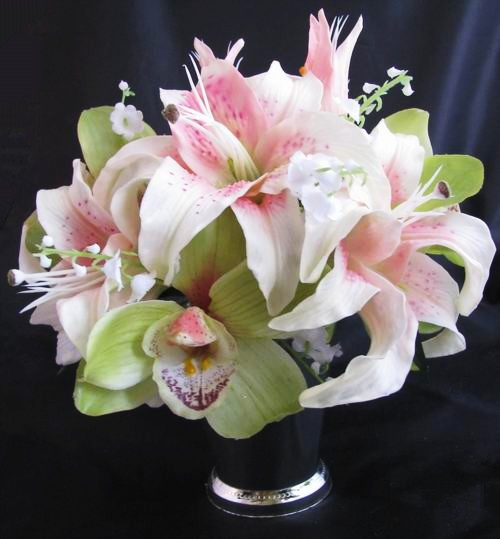 Centerpiece Natural Touch Casablanca Lily Orchid