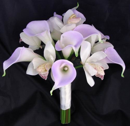 Natural Touch Bouquet Lilac Calla Cream/White Orchid