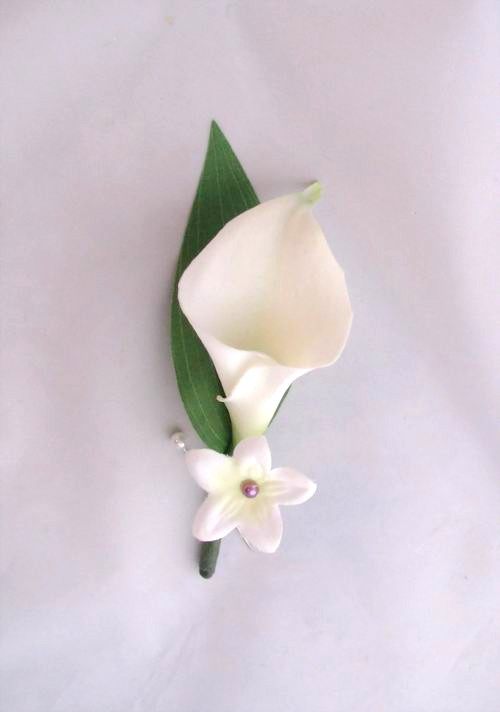 Boutonniere Natural Touch Cream/White Calla Stephanotis