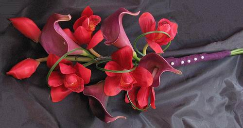 Natural Touch Arm Bouquet Calla Orchid